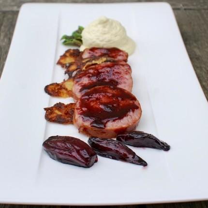 Saucisse de Morteau, échalotes confites, espuma à la moutarde de Bourgogne et ses croustillants