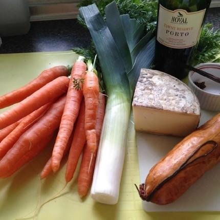 Saucisse de Morteau en manteau végétal, Spätzle et copeaux de Tomme de Savoie
