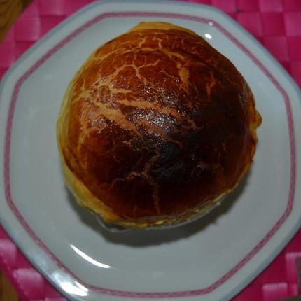 Saucisse de Morteau au brillat savarin, escargots et fondue de poireaux en croûte