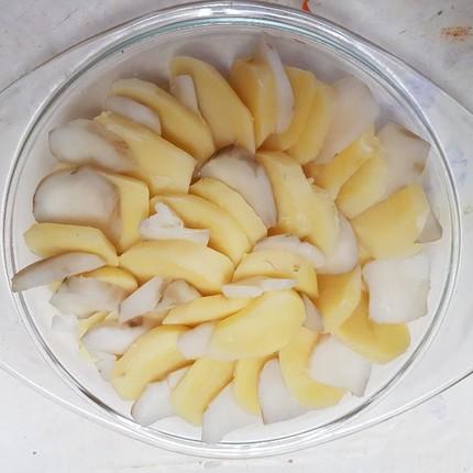Gâteau de pommes de terres, topinambours et Saucisse de Morteau au Brillat-Savarin